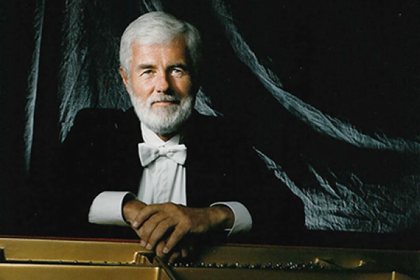 Pianist Gregory Butler