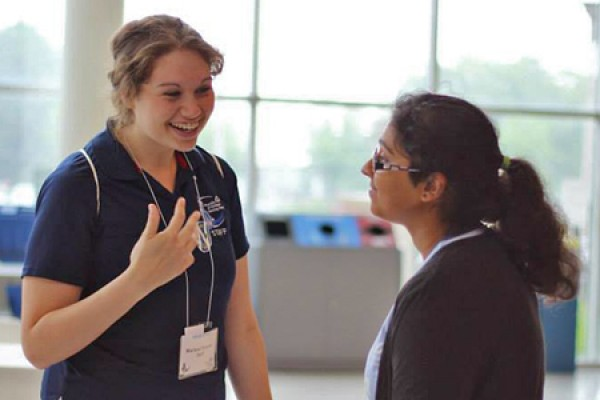 Marissa Younan welcomes a new UWindsor student