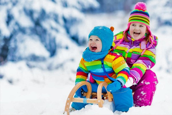 young children in snow suits