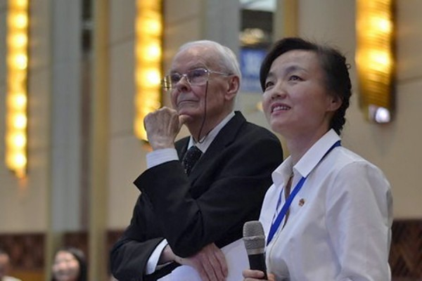 Michael Connelly, Shijing Xu