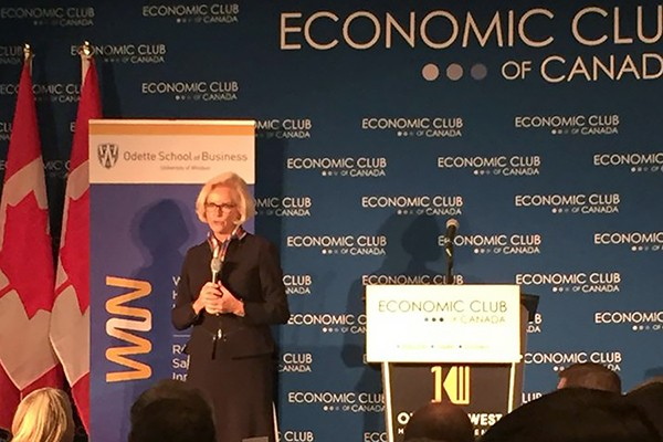 Anne Snowdon addresses the Economic Club of Canada.