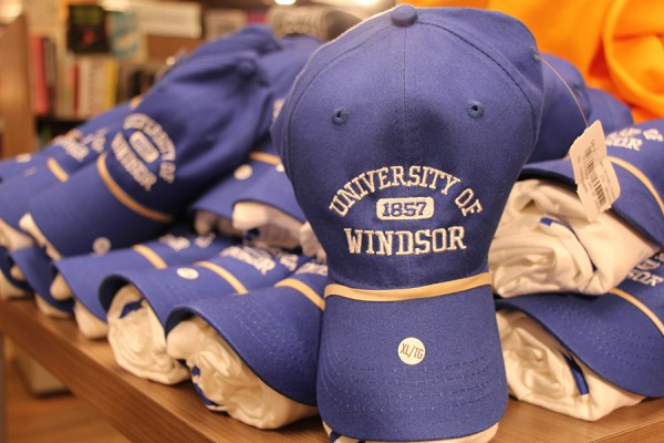 UWindsor baseball cap and T-shirt bundle