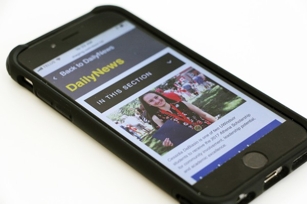 smartphone displaying new format DailyNews