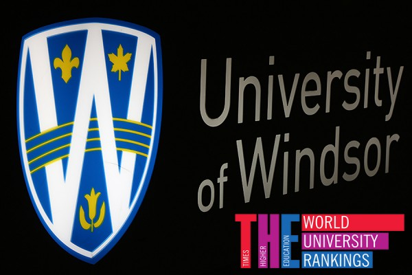 UWindsor sign lit up