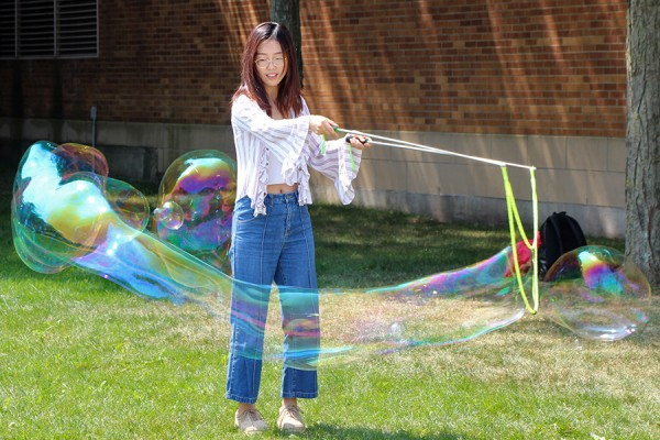 Wenyue Zhang makes a monster bubble