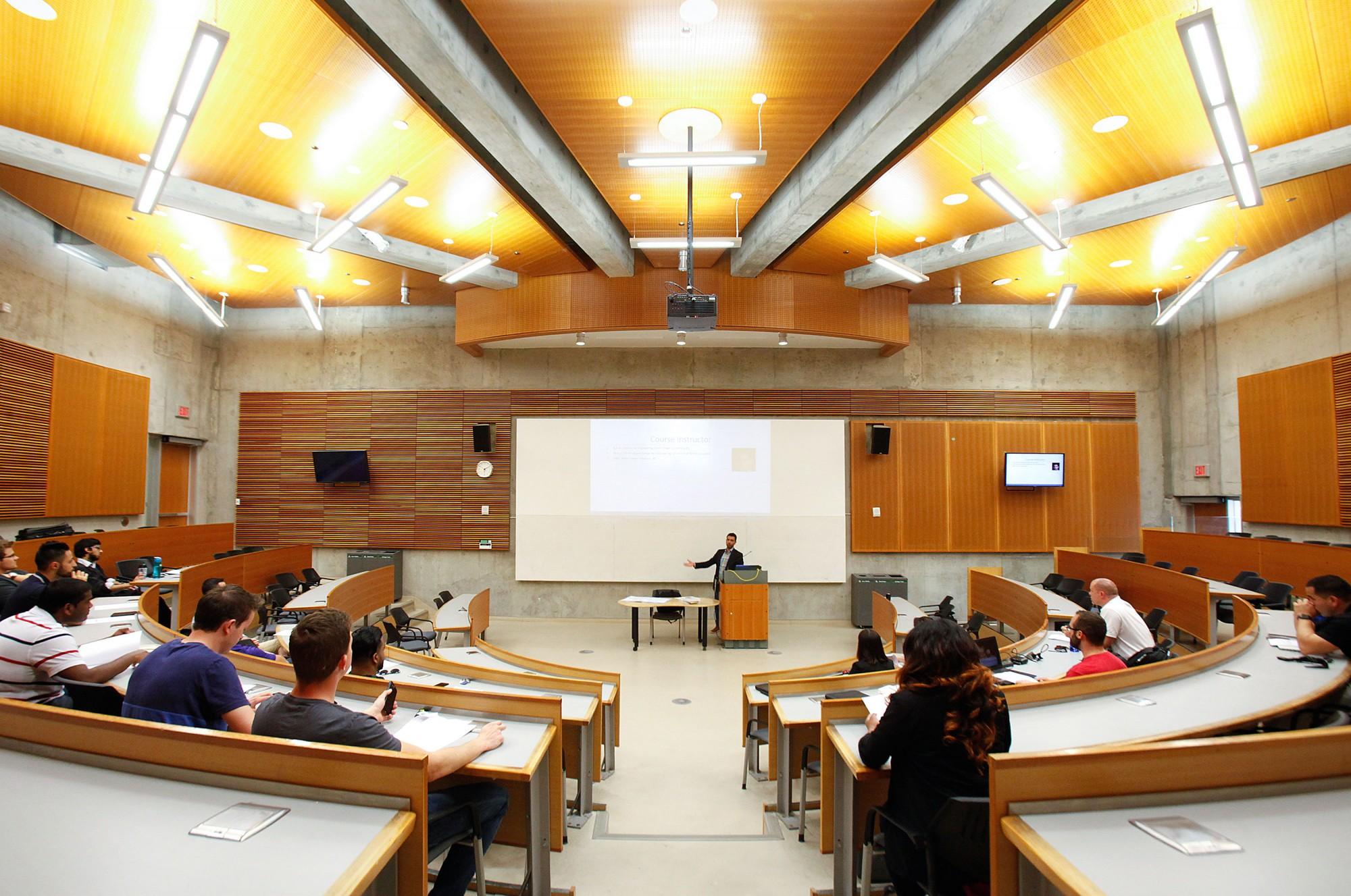 Kết quả hình ảnh cho university of windsor classrooms
