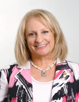Associate Professor, Donna Eansor