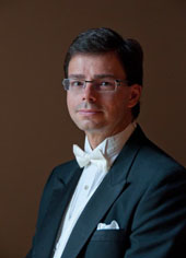 Music Alumnus and professional pianist Dr. Ross Osmun