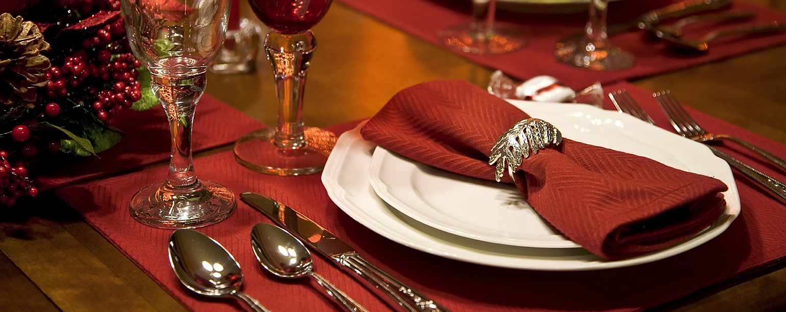 fancy holiday table setting