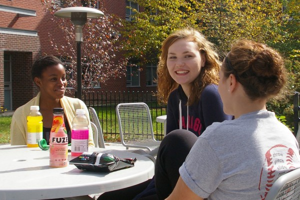 UWindsor students enjoying outdoor seating