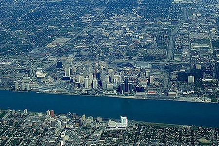 Image of Detroit River with Detroit, Michigan on the north bank and Windsor, Ontario on the south